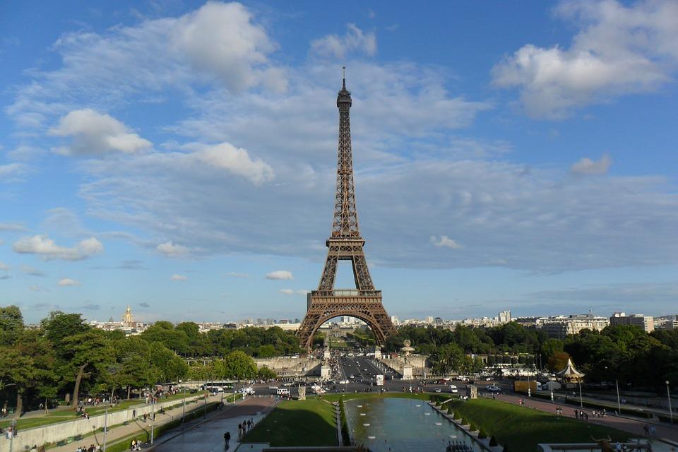 eiffel-tower-498378_960_720