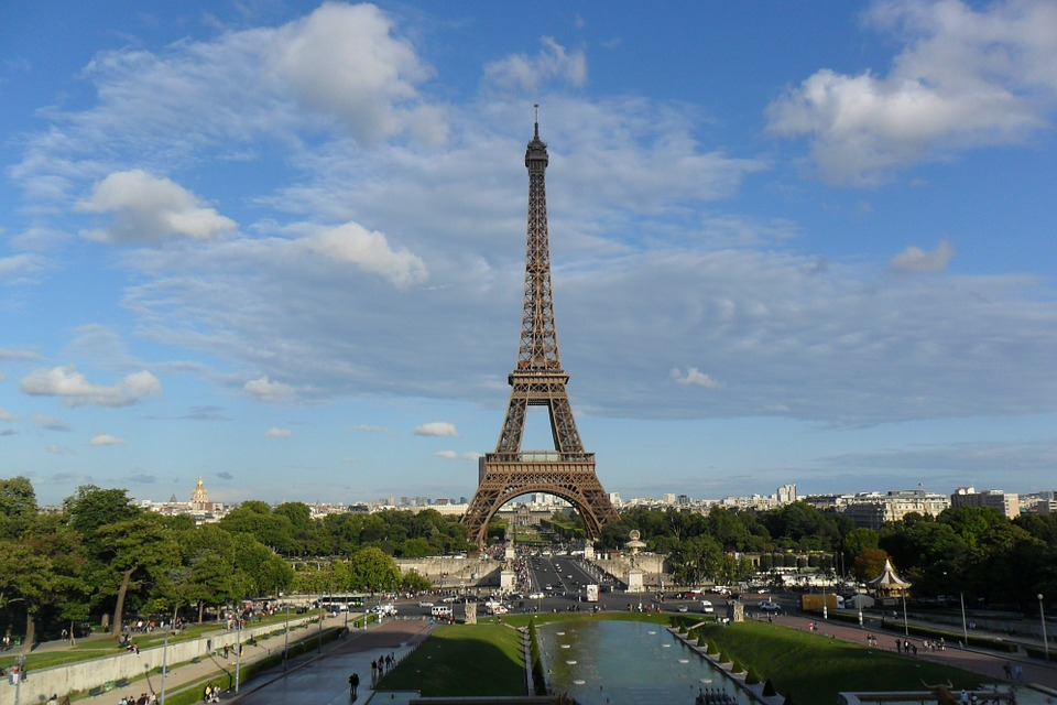 eiffel-tower-498378_960_720